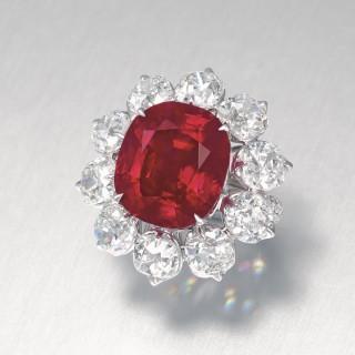 rubin köves gyűrű gyémántokkal