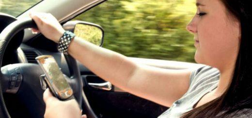 mobilozás vezetés közben